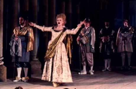 Hege Gustava Tjoenn + Opernchor des Theaters Regensburg 1999